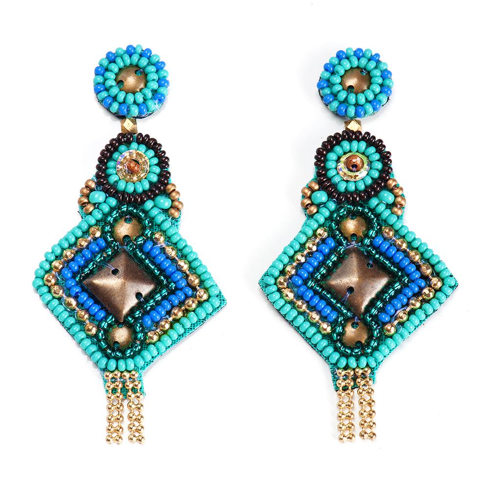 Серьги женские Selena, цвет: бирюзовый, голубой. 2009498020094980Бисер, изнанка-натуральная замша, латунь. Гальваническое покрытие: золото., длина серег 7.5 см ширина 3.5 см
