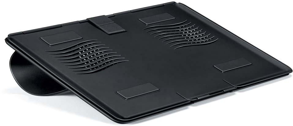 Fellowes FS-80304 портативная подставка для ноутбукаFS-80304Подставка для ноутбука FS-80304 Go Riser помогает снижать напряжение шеи, плеч и глаз во время длительной работы с ноутбуком. Поддержка ноутбуков до 17 включительно. Обеспечивает правильное положение клавиатуры ноутбука. Портативна и компактна, толщина в сложенном виде всего 8 мм. За счет своей конструкции не допускает нагрева ноутбука. Нескользящая поверхность.