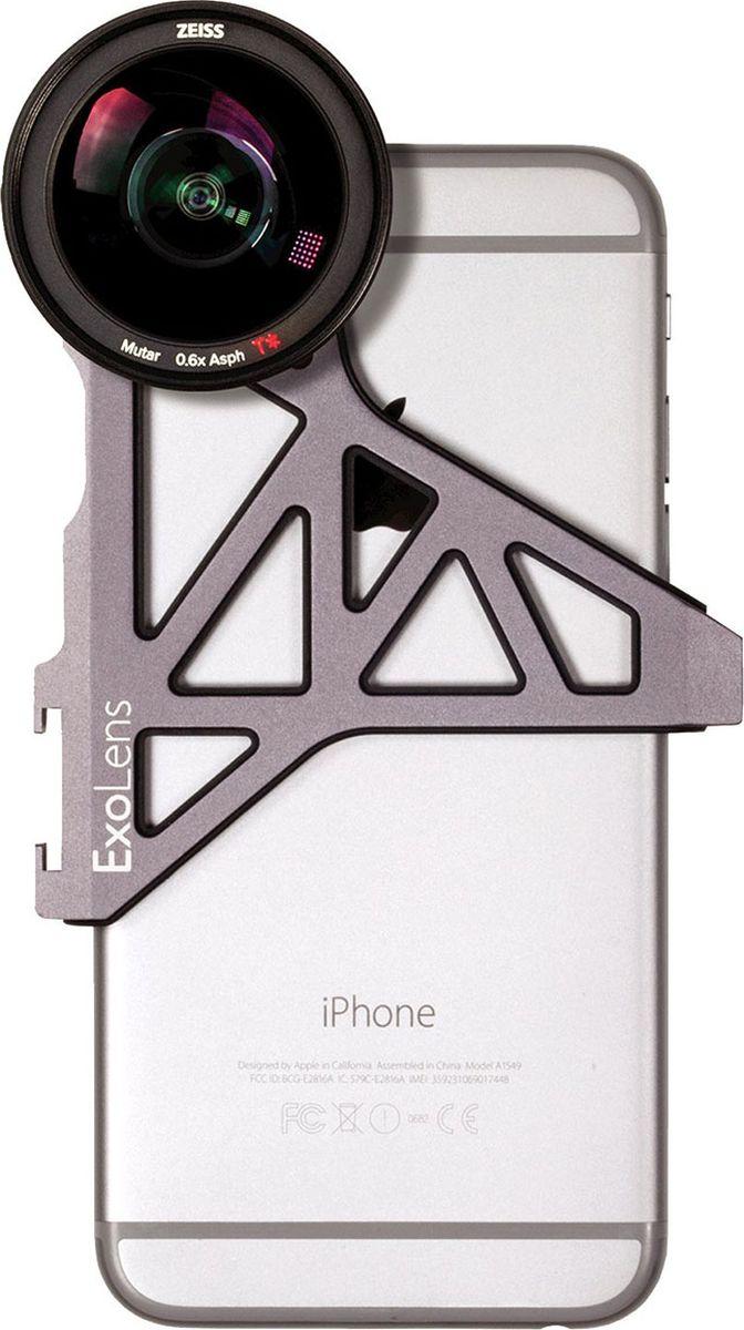 Optrix ExoLens, Black набор для фотосъемки для iPhone 6/6sFS-95620Прочное и легкое крепление ExoLens прочно крепится к смартфону (iPhone 6/6s либо 6Plus/6s Plus), широкоугольный объектив профессионального уровня - ZEISS Mutar™ 0.6x Asph T* Wide-Angle Lens, предоставляет следующие преимущества фотосъемки: - Увеличение объектов в кадре на 30% по сравнению со стандартной камерой смартфона - Асферические оптические элементы - Минимальные искажения и хроматические аберрации - Высокий контраст изображения по всему полю кадра - Антибликовое покрытие T*® минимизирует блики, улучшая светопропускание - Быстросъемная бленда объектива - Эквивалентное фокусное расстояние : 18 мм