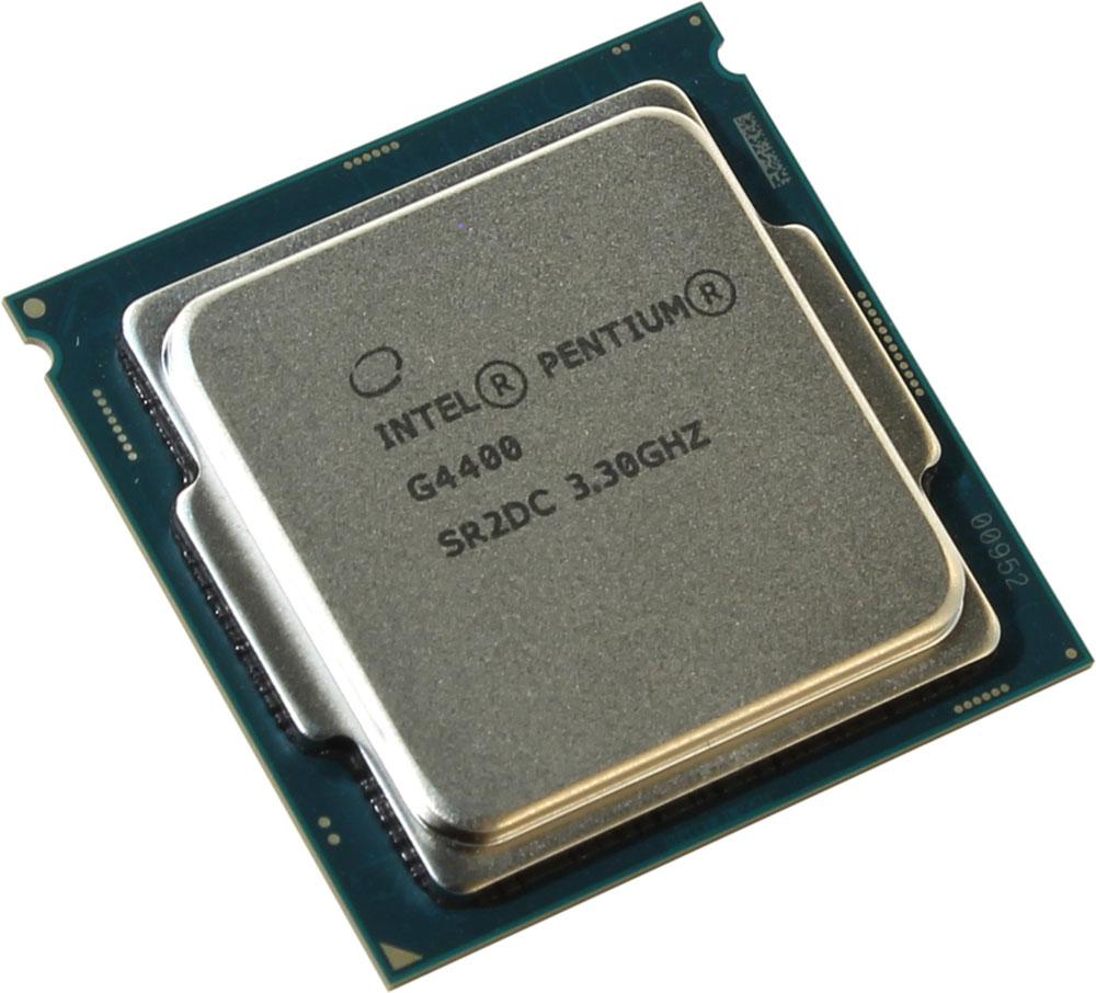 Intel Pentium G4400 процессор323413Pentium G4400 - процессор для настольных персональных компьютеров, основанных на платформе Intel. В основе лежит архитектура Skylake, что позволяет оптимизировать работу двух ядер, функционирующих на частоте 3300 МГц. Дополнительное быстродействие обеспечивается кэш-памятью третьего уровня объемом 3072 КБ. Обработка изображения перед демонстрацией его на мониторе ПК осуществляется графическим процессором Intel HD Graphics 510. Для двусторонней передачи данных между Pentium G4400 и оперативной памятью компьютера предусмотрен встроенный контроллер, поддерживающий модули размером до 64 ГБ. Также в данной модели установлены контроллер PCI-E 3.0 и системная шина DMI 3.0, которые используются для связи с другими элементами ПК.
