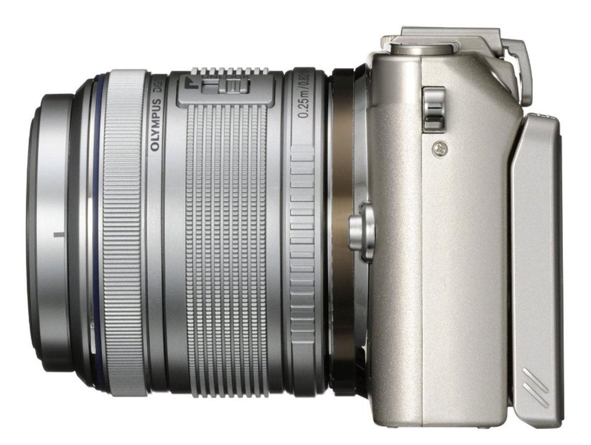Olympus E-PL6 Kit EZ-M1442 II R, Silver цифровая фотокамера
