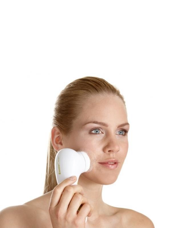 Аппарат для очищения лица Sonicleanse Gezatone, модель amg195