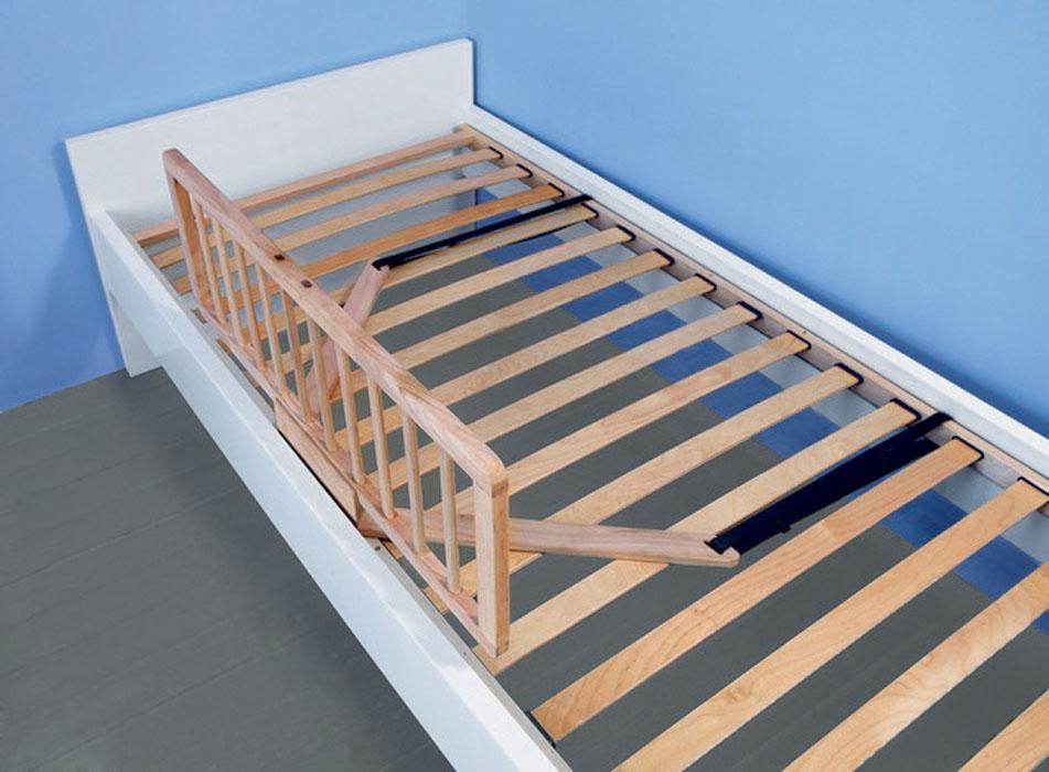 Защитный барьер на кровать сделать своими руками