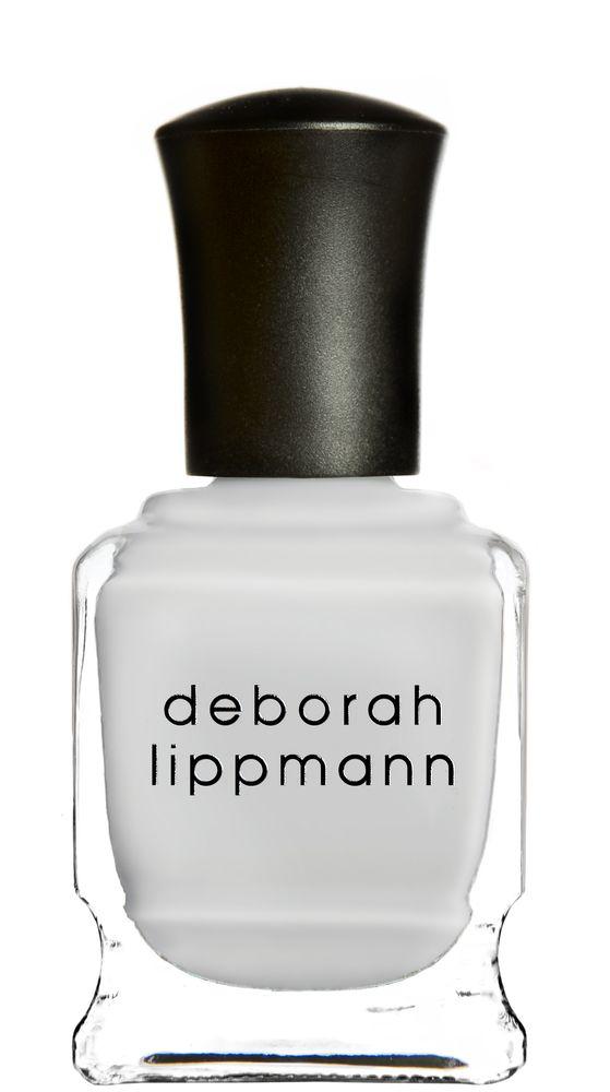 Deborah Lippmann лак для ногтей Misty Morning, 15 мл0003934Стойкий лак, не содержит формальдегидов, толуола, дибутила. Увлажняет и ухаживает за ногтями. Форма флакона, колпачка и кисти специально разработаны для удобного использования. Применение: наносить 1-2 слоя на ногти, после нанесения базового покрытия. Для придания прочности и создания блеска рекомендуем использовать верхнее покрытие. Хранить в сухом, прохладном месте вдали от солнечных лучей.