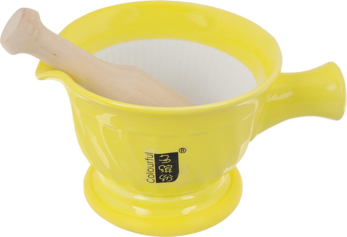 Ступка с пестиком Empire of Dishes, цвет: желтый115510Ступка с пестиком Empire of Dishes, выполненные извысококачественной керамики и дерева, украсят современный интерьер и добавят изысканный штрих вашему кухонномупространству. Изделия предназначены для измельчения различных специй и трав, орехов, чеснока,каперсов и многого другого. Дно ступки оснащено силиконовойвставкой.Для эффективного измельчения рабочая часть изделийшероховатая. С таким набором вы с легкостью добьетесь необходимой вам консистенциипродукта. Не рекомендуется использовать в микроволновой печи и мытьв посудомоечной машине.Размер ступки (по верхнему краю): 14,5 см х 13 см. Диаметр дна ступки: 9,5 см. Глубина ступки: 8 см. Высота ступки: 10 см. Длина пестика: 15 см. Диаметр рабочей поверхности пестика: 7 х 3 см.