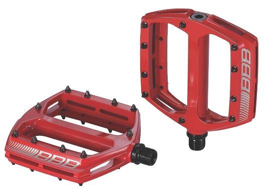 Педали BBB CoolRide, цвет: матовый красный. BPD-36WRA523700Большая площадь опоры обеспечивает надежное сцепление и контроль.Монолитный алюминиевый корпус.Ось из хроммолибденовой стали.Двойные закрытые подшипники.Сменные пины, 10 штук с каждой стороны.
