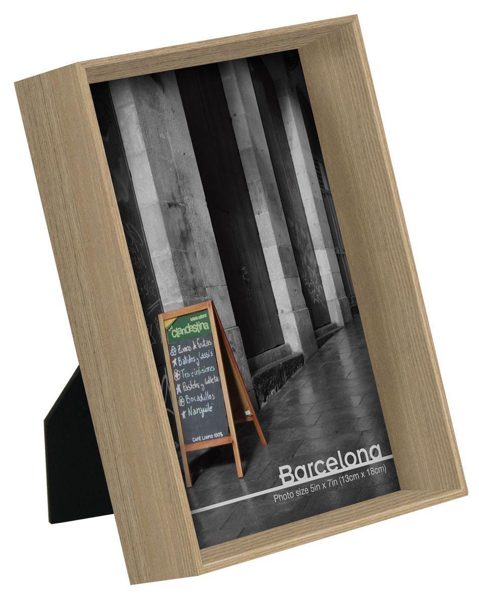 Фоторамка HomeMaster, цвет: светло-серый, 19 x 14 x 4 см, 6 штUP210DFНабор из 6 одинаковых деревянных рамкок для фотографий со стеклом. Оснащены ножкой-подставкой. Так же имеют петли для крепления вертикально на стене. Тончайшее полимерное покрытие обеспечивает многолетнюю службу изделия. для фото 13 х 18 см.