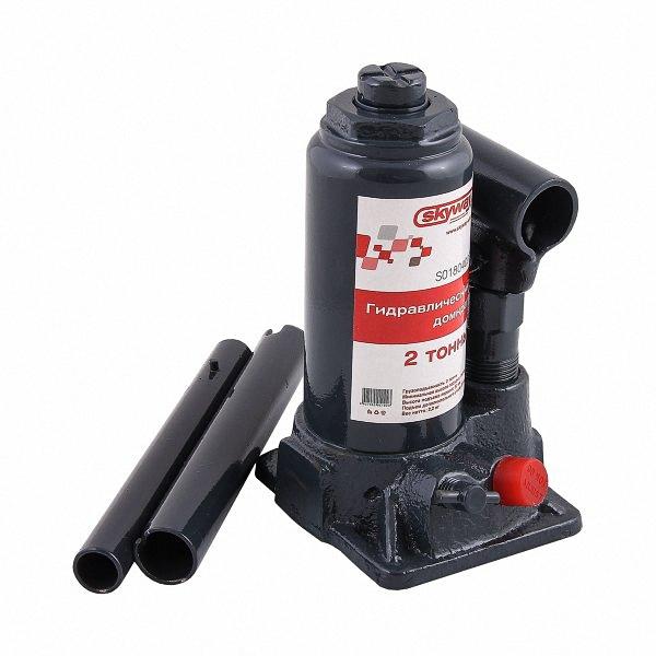 Домкрат бутылочный Skyway, гидравлический, с клапаном, 2 тWH18DBDL-RJ (5.0 Аh)_черный, зеленыйМощный бутылочный домкрат Skybear предназначен для работы с грузамимассой до 2 тонн. Его можно использовать для подъема грузовой икоммерческой техники, а также для строительных и такелажных работ.Гидравлический привод домкрата позволяет быстро и без больших усилийподнять груз.Домкрат предназначен для использования на ровной и твердой поверхности.Для переноски изделие оснащено удобной металлической ручкой. Максимальная нагрузка: 2 т. Минимальная высота: 14,8 см. Максимальная высота: 27,8 см.