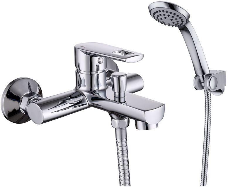 Смеситель для ванны Iddis Runo, с коротким изливом, цвет: хром68/5/3Смеситель для ванны Iddis Runo изготовлен из высококачественной первичной латуни, прочной, безопасной и стойкой к коррозии. Инновационные технологии литья и обработки латуни, а также увеличенная толщина стенок смесителя обеспечивают его стойкость к перепадам давления и температур.Увеличенное никель-хромовое покрытие полностью соответствует европейским стандартам качества, обеспечивает его стойкость и зеркальный блеск в течение всего срока службы изделия.Благодаря гладкой внутренней поверхности смесителя, рассекателям в водозапорных механизмах и аэратору он имеет минимальный уровень шума. Ручная фиксация дивертора позволяет комфортно принимать душ даже при низком давлении воды.Картридж Softap обеспечивает особую плавность хода ручки смесителя - для точной регулировки температуры и напора воды. Аэратор легко извлекается из смесителя с помощью монетки, упрощая его очистку. Встроенный ограничитель потока оптимизирует расход воды без потери комфорта при использовании.В комплекте: лейка (1 режим) и шланг из нержавеющей стали длиной 1,5 м с защитой от перекручивания.Гарантия на смесители Iddis - 10 лет. Гарантия на лейку и шланг составляет 3 года.