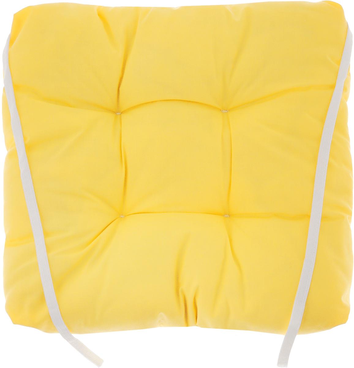 Подушка на стул Eva, объемная, цвет: темно-желтый, 40 х 40 смVT-1520(SR)Подушка Eva, изготовленная из хлопка, прослужит вам не одиндесяток лет.Внутри - мягкий наполнитель из полиэстера. Стежка надежноудерживает наполнитель внутри и не позволяет емускатываться. Подушка легко крепится на стул с помощьюзавязок.Правильно сидеть - значит сохранить здоровье на долгие годы.Жесткие сидения подвергают наше здоровье опасности.Подушка с наполнителем из полиэстера поможетпредотвратить многие беды, которыми грозит сидячий образжизни.