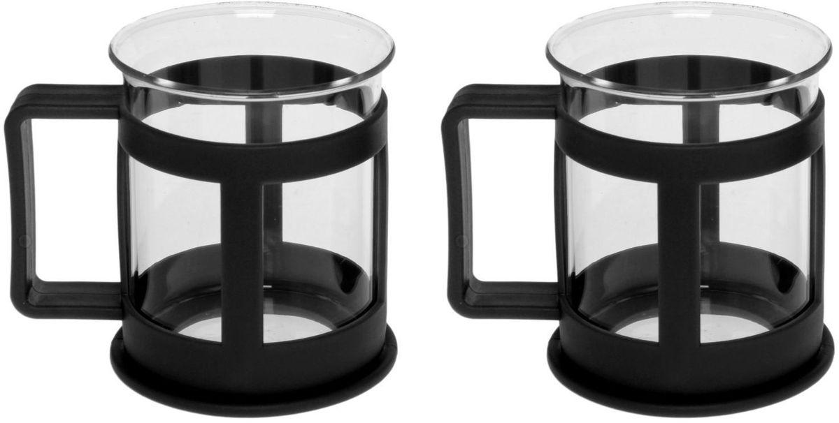 Набор кружек Доляна Классика, цвет: черный, 200 мл, 2 шт115510Практичный набор кружек пригодится каждому человеку. Поставьте его на кухне, возьмите с собой на работу, в поход или путешествие: качественные изделия не подведут вас. Достоинства: удобный пластиковый подстаканник защищает стеклянный корпус; ручка не нагревается от горячих напитков; изделие легко мыть; необычный дизайн освежает интерьер. При необходимости стеклянная часть кружки может быть извлечена. Делайте свою жизнь комфортнее!