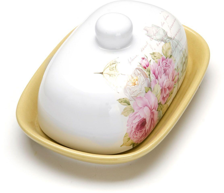 Масленка с крышкой Loraine Пионы. 26325VT-1520(SR)Масленка Loraine, выполненная из качественной доломитовой керамики и декорированная ярким рисунком, станет украшением интерьера вашей кухни. Масленка надежно закрывается керамической крышкой и прекрасно подойдет для хранения и сервировки масла, сыра, творога. Масленка рассчитана примерно на 200 г. масла. Пригодна для использования в холодильнике, морозильнике, микроволновой печи. Подходит для мытья в посудомоечной машине.