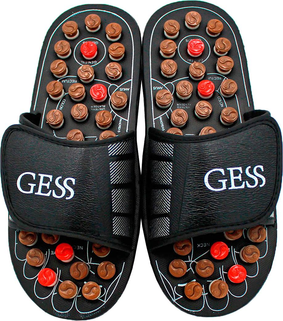 Gess Рефлекторные массажные тапочки uFoot, размер M (40/41)15032027Рефлекторные массажные тапочки uFoot для ног — отличное сочетание обуви и оздоровления организма посредством акупунктурного воздействия на биологически важные зоны организма через определенные зоны стоп. Массаж стоп выполняется пружинящими головками, которые при надавливании проворачивается вокруг собственной оси, трение вызывает дополнительное тепло, которое усиливает эффективность воздействия массажа шиацу. Регулярное использование массажных тапочек поспособствует улучшению кровообращения, общего самочувствия, снимет тяжесть в ногах и подарит заряд бодрости. Ширина тапочек регулируется липучками, поэтому подойдут для ног любой ширины. Всего 15 минут воздействия пружинящими массажными головками на стопы во время занятия домашними делами, и Вы отметите для себя заметное улучшение самочувствия. Не является медицинским прибором. Имеются противопоказания.