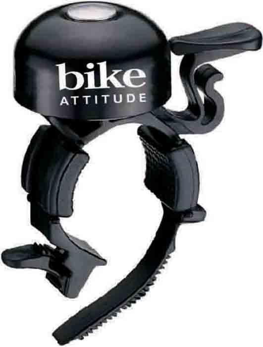 Звонок велосипедный Bike Attitude B777AP, на руль 22,2 мм, цвет: черныйMW-1462-01-SR серебристыйГромкий и узнаваемый звук этого звонка поможет обозначить себя на дороге и сделать движение более безопасным. Широкий язычок звонка удобен при использовании даже в перчатках. Звонок устанавливается на рули диаметром от 19 до 26,4 мм.• Для рулей от 19 до 26,4 ммBIKE ATTITUDE – это крупнейший Тайваньский производитель высококачественных велосипедных аксессуаров и запчастей. Уже более 10-и лет Bike Attitude представляет свои товары в 15 странах мира.