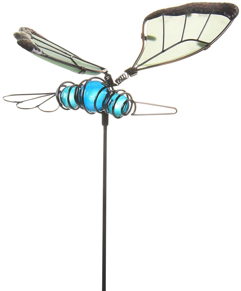 Украшение декоративное садовое Бабочка, светящийся в темноте, 19 х 13 х 52 см141-442Декоративный штекер, светящийся в темноте Бабочка голубые бусины заставит вас поверить в сказку! Разместите их у клумбы, у калитки или у дома: изящные светящиеся в темноте декоративные фигуры на металлическом стержне добавят изюминку вашему дачному участку! Сияние достигается путем применения специальной технологии, на одном из этапов которой на изделие наносится флуоресцентная пудра, впитывающая солнечный свет. Именно за счет этого вечером начинается волшебство: фигурки светятся и восхищают всех окружающих! Прочный металл продлит срок службы изделия и будет радовать вас своей надежностью и долговечностью. Пастельный окрас подчеркнет ваш изящный вкус. Не упустите возможность сделать окружающее вас пространство лучше!