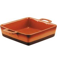 Форма для запекания Enns керамическая, 25 х 25 смUCW-4215/33Форма для запекания Enns, выполненная из керамики, станет незаменимым помощником у вас на кухне. Основные преимущества керамической формы для запекания Enns: Подходит для использования в микроволновой, конвекционной печи и духовке; Подходит для хранения продуктов в холодильнике и морозильной камере; Устойчива к температурам от -30°С до +220°С; Можно мыть в посудомоечной машине; Идеально подходит для сервировки стола. Характеристики: Материал: керамика. Размер (без ручек): 25 см х 25 см. Длина с ручками: 33 см. Высота стенок: 7 см. Производитель: Австрия. Артикул: UCW-4215/33. Керамическая посуда пользуется огромной популярностью во всем мире, и не случайно. Всем известны достоинства этой необыкновенно красивой и практичной посуды. Ведь только керамическая посуда способна обеспечить равномерный нагрев и долгое сохранение температуры. Именно эти качества позволяют придать особый аромат...