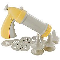 Шприц кондитерский Tescoma, цвет: желтый. 630534631014Шприц кондитерский Tescoma, изготовленный из прочного пластика, предназначен для помещения и выдавливания разных кремов, в основном служащих для украшения пирожных и тортов, а также для приготовления сладких и соленых печений. В наборе к шприцу прилагается 6 декоративных насадок и 10 пресс-кругов, имеющих разное сечение и профиль. Кондитерский шприц - превосходный инструмент, который облегчает и ускоряет процесс выпечки печенья, бисквитов, пряников и т.д., идеален для украшения десертов и пирогов сливками или заварным кремом, для заполнения пончиков джемом, а также для украшения бутербродов, тостов и канапе паштетом, маслом, плавленым сыром. Праздничный стол требует особого внимания! Благодаря удивительному помощнику - кондитерскому шприцу - вы быстро и легко приготовите выпечку любой формы, какой только пожелаете. Характеристики: Материал: пластмасса. Цвет: желтый. Длина шприца: 21,5 см. Длина ручки: 14 см. Количество насадок: 6 шт. ...