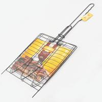 Решетка-гриль Искра для рыбы, тройная, 27,5 x 27,5RDG-37AРешетка-гриль Искра предназначена для приготовления рыбы на углях. Изготовлена из высококачественной стали. Идеально подходит для мангалов и барбекю. Решетка имеет широкое фиксирующее кольцо на ручке, что обеспечивает надежную фиксацию. Регулируемый объем решетки позволяет запекать продукты разной толщины. Специальная ручка предохраняет руки от ожогов, а также удобна для обхвата двумя руками, что позволяет легко переворачивать решетку. На решетке можно разместить три рыбы. Характеристики: Материал: сталь, латекс. Размер решетки: 27,5 см x 27,5 см. Высота решетки: 1 см. Длина ручки: 30 см. Артикул: RDG-37А. Производитель: Россия. Изготовитель: Китай.