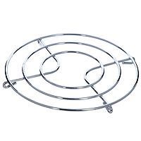 Подставка под горячее Metaltex20.32.20Круглая подставка под горячее Metaltex, изготовленная из нержавеющей стали, выполнена в стильном и элегантном дизайне. Она идеально впишется в интерьер современной кухни. Каждая хозяйка знает, что подставка под горячее - это незаменимый и очень полезный аксессуар на каждой кухне. Ваш стол будет не только украшен оригинальной подставкой с красивым узором, но и будет защищен от воздействия высоких температур. Характеристики: Материал: нержавеющая сталь. Диаметр подставки: 20 см. Производитель: Италия. Артикул: 20.32.20.