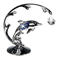 Декоративная композиция Дельфин, цвет: серебристый67412Декоративная композиция Дельфин дополнит интерьер любого помещения, а также может стать оригинальным подарком для ваших друзей и близких. Она сделана из белого металла и украшена австрийскими кристаллами. Оформление помещения декоративной композицией с дельфином создаст уютную, по-настоящему радостную и теплую атмосферу. Характеристики: Материал: металл, стразы сваровски. Высота: 13 см. Ширина: 11 см. Размер упаковки: 18 см х 14 см х 7,5 см. Производитель: Китай. Артикул: 67412. Более чем 30 лет назад компания Crystocraft выросла из ведущего производителя в перспективную торговую марку, которая задает тенденцию благодаря безупречному чувству красоты и стиля. Компания создает изящные, качественные, яркие сувениры, декорированные кристаллами Swarovski различных размеров и оттенков, сочетающие в себе превосходное мастерство обработки металлов и самое высокое качество кристаллов. Каждое изделие...