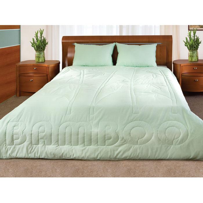 Одеяло Bamboo, наполнитель: волокно бамбука, лебяжий пух, 200 см х 220 см121560206Легкое одеяло Bamboo, чехол которого изготовлен из натурального хлопка, имеет комбинированный наполнитель - чехол с внутренней стороны продублирован пластом с волокнами целлюлозы бамбука, внутренний наполнитель - искусственный лебяжий пух. Волокно бамбука - это натуральное волокно, которое имеет прекрасные вентилирующие свойства, позволяя коже дышать свободно. Так же оно обладает дезодорирующими и антибактериальными свойствами: 70% бактерий, попадающих на него, уничтожаются естественным образом. Наполнитель лебяжий пух - аналог натурального пуха, который представляет собой сверхтонкое микроволокно нового поколения. Важным преимуществом этого наполнителя является гипоаллергенность, что делает его подходящим для детей и взрослых. Постельные принадлежности с наполнителем из бамбукового волокна и с оригинальной стежкой bamboo подходят людям, страдающим аллергией и астмой. Характеристики: Материал чехла: 100% хлопок. ...