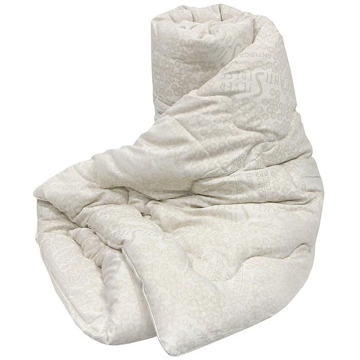 Одеяло Silver Antistress, 140 см х 205 см121076102-AGОдеяло Silver Antistress с наполнителем Экофайбер в чехле из льняной ткани с серебром (2,5% чистого серебра), благодаря которому оно обладает уникальными оздоравливающими свойствами: помогает бороться со стрессом, лечит бессонницу, дарит комфортный сон. Экологически чистый наполнитель Экофайбер не вызывает аллергии и не теряет объем. Ваше одеяло прослужит долго, а его изысканный внешний вид будет годами дарить вам уют. Характеристики: Материал чехла: 40% лен, 57,5 полиэстер, 2,5 серебро. Наполнитель: экофайбер. Размер одеяла: 140 см х 205 см. Производитель: Россия. Артикул: 121076102-AG. ТМ Primavelle - качественный домашний текстиль для дома европейского уровня, завоевавший любовь и признательность покупателей. ТМ Primavelle рада предложить вам широкий ассортимент, в котором представлены: подушки, одеяла, пледы, полотенца, покрывала, комплекты...