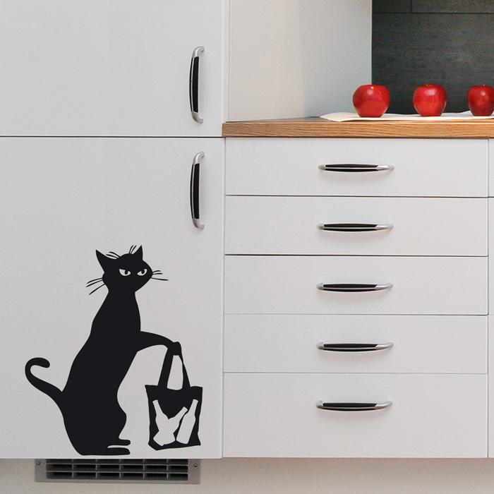 Стикер Paristic Сумчатый кот, цвет: черный, 40,5 см х 34 смпро0386Добавьте оригинальность вашему интерьеру с помощью необычного стикера Сумчатый кот. Изображение на стикере выполнено в виде силуэта кота с сумкой. Великолепное исполнение добавит изысканности в дизайн. Необыкновенный всплеск эмоций в дизайнерском решении создаст утонченную и изысканную атмосферу не только спальни, гостиной или детской комнаты, но и даже офиса. Стикер выполнен из матового винила - тонкого эластичного материала, который хорошо прилегает к любым гладким и чистым поверхностям, легко моется и держится до семи лет, не оставляя следов. Сегодня виниловые наклейки пользуются большой популярностью среди декораторов по всему миру, а на российском рынке товаров для декорирования интерьеров - являются новинкой. Характеристики: Материал: винил. Размер стикера (ВхШ): 40,5 см х 34 см. Цвет: черный. Производитель: Франция. Комплектация: виниловый стикер; инструкция; Paristic - это стикеры высокого...