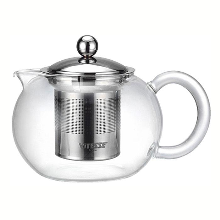 Чайник заварочный Vitesse Judy с фильтром, 700 млVS-1672Заварочный чайник Vitesse Judy со специальным фильтром позволит вам заварить свежий, ароматный чай и займет достойное место на вашей кухне. Чайник выполнен из термостойкого стекла, которое выдерживает температуру до 350°С. Фильтр и крышка изготовлены из высококачественной нержавеющей стали 18/10. Горлышко и ручка изготовлены в ручную. Чайник можно использовать на электрических и газовых плитах при слабом огне, а также мыть в посудомоечной машине. Современный дизайн полностью соответствует последним модным тенденциям в создании предметов бытовой техники. Характеристики: Материал: стекло, нержавеющая сталь. Объем: 700 мл. Высота (без крышки): 10,5 см. Размер коробки: 16 см х 16 см х 13,5 см. Артикул: VS-1672.