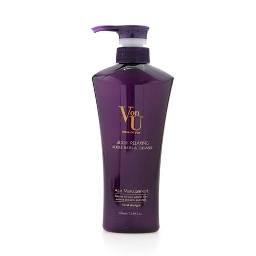 Пена для ванн Von-U, расслабляющая, 500 мл14701Расслабляющая пена для ванн Von-U образует легкую нежную пену, деликатно очищает кожу. Экстракты лаванды и ромашки успокаивают, оказывают противовоспалительное действие. Экстракт икры активизирует процессы регенерации. Наноплатина сохраняет влажность кожи и позволяет ей надолго оставаться гладкой и бархатистой. Великолепный фруктово-цветочный аромат освежает и снимает усталость. Характеристики: Объем: 500 мл. Артикул: 14701. Производитель: Корея. Товар сертифицирован.
