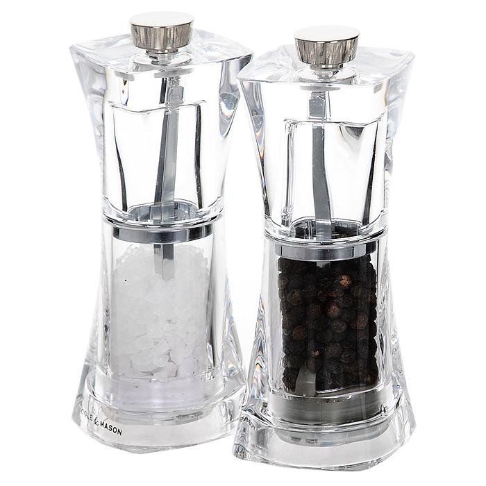 Набор для специй Crystal, 2 предметаH374080Набор для специй Crystal изготовленный из пластика, состоит из двух мельниц. Мельницы легки в использовании, стоит только покрутить верхнюю часть, и вы с легкостью сможете поперчить или посолить по своему вкусу любое блюдо. Соль и перец входят в комплект. Характеристики: Материал: пластик, сталь. Высота емкостей: 12,5 см. Размер основания емкости: 5 см х 5 см. Размер упаковки: 10,5 см х 13 см х 5,5 см. Производитель: Великобритания. Артикул: H374080.