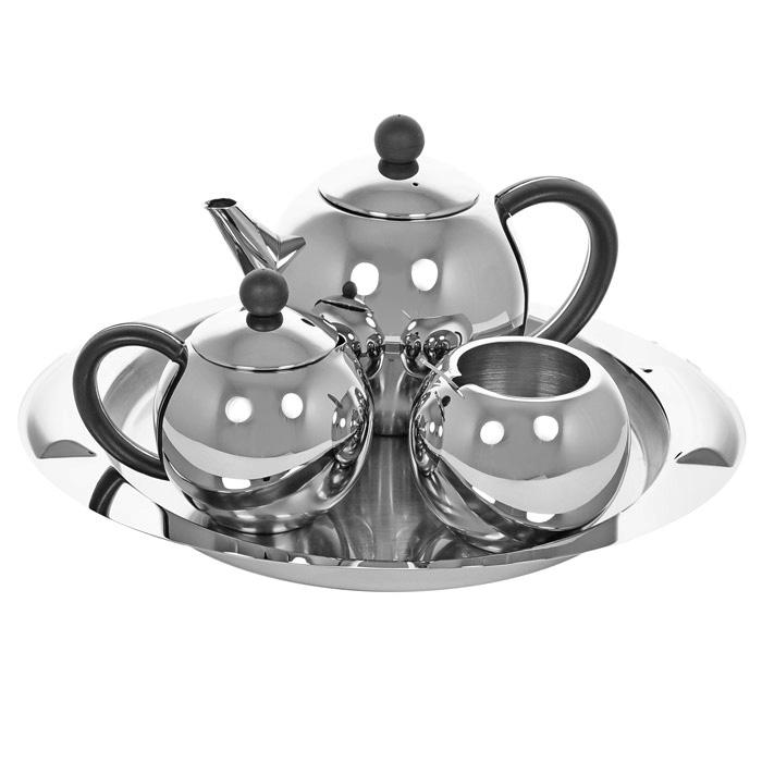 Набор чайный Vitesse Esperanza, 5 предметов. VS-1248CM000001328Чайный набор Vitesse Esperanza включает: сервировочный поднос, заварочный чайник с ситечком, молочник, сахарницу с ложкой. Предметы набора выполнены из высококачественной полированной стали марки 18/10. Набор можно также можно использовать для подачи кофе.Предметы набора можно мыть в посудомоечной машине.Чайный набор Vitesse Esperanza придется по вкусу и ценителям традиций, и новаторам. Характеристики: Материал: сталь, пластик. Размер подноса: 34 см х 28 см. Объем чайника: 1 л. Диаметр чайника по верхнему краю: 8 см. Наибольший диаметр чайника: 14,5 см. Диаметр основания чайника: 7 см. Высота чайника (без крышки): 11,5 см. Объем сахарницы: 380 мл. Диаметр сахарницы по верхнему краю: 6,5 см. Наибольший диаметр сахарницы: 9,5 см. Диаметр основания сахарницы: 4,7 см. Высота сахарницы (без крышки): 7,7 см. Объем молочника: 400 мл. Высота молочника: 8,7 см. Длина ложки: 11,5 см. Размер упаковки: 33 см х 27 см х 12,5 см. Изготовитель: Китай. Артикул: VS-1248.Французская торговая марка Vitesse представляет высококачественную посуду из нержавеющей стали 18/10. Vitesse профессионально занимается разработкой, производством и реализацией своей продукции на российском рынке. В настоящее время Vitesse насчитывает уже более 1000 наименований.Продукция, которая экономит силы и время, а самое главное еда, приготовленная в посуде Vitesse, дает вам силу, здоровье и энергию. Пользоваться продукцией Vitesse в наш стремительный век легко и приятно.