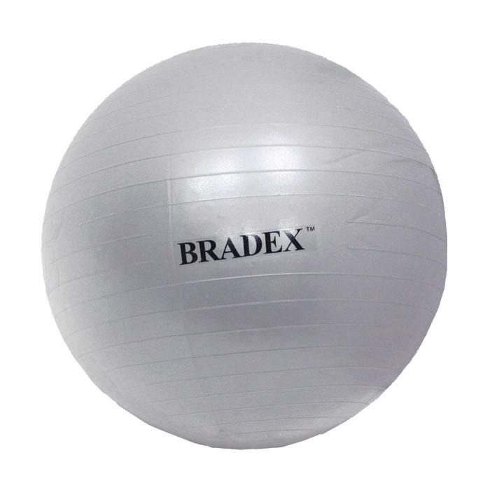 Мяч для фитнеса Bradex, 65 смSF 0016Мяч для фитнеса Bradex тренирует пресс, бедра и ягодицы, развивает силу, гибкость, координацию и корректирует осанку. Даже если вы просто сидите на нем, то все равно происходит напряжение разных групп мышц, и единственным условием является сохранение совершенно ровной спины во время выполнения упражнения. Мяч идеален для занятий аэробикой и во время прохождения реабилитационных комплексов упражнений, он может использоваться даже беременными женщинами, не отказавшихся от физических нагрузок. Материал, из которого сделан мяч, создан по специальной технологии с добавлением силикона, что обеспечивает защиту от внезапного взрыва и падения. Заглушка в комплекте. Характеристики: Материал: ПВХ, силикон. Диаметр мяча: 65 см. Мах нагрузка: 150 кг. Размер упаковки: 24,5 см х 16 см х 12 см. Артикул: SF 0016. Производитель: Китай.