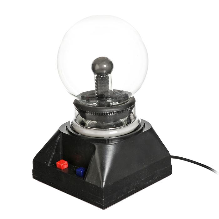 Светильник-плазма Шар. 9191391913Светильник-плазма выполнен в виде стеклянного шара на подставке. Шар при включении создает внутри стеклянной сферы множество цветных молний. Молнии разбегаются во все стороны из центра, а если прикоснуться к поверхности шара пальцем, они сольются в один мощный поток. Также на подставке есть кнопка озвучки. Светильник работает от сети 220В. Этот светильник-плазма Шар будет прекрасным дополнением к вашему интерьеру, а так же может послужить замечательным подарком. Характеристики: Материал: пластик, стекло. Общая высота светильника: 18,5 см. Диаметр шара: 10 см. Цвет подставки: черный. Артикул: 91913. Размер упаковки: 12,5 см х 20 см х 12,5 см. Изготовитель: Китай. УВАЖАЕМЫЕ КЛИЕНТЫ! Во избежание перегрева и для сохранения рабочих свойств светильника, рекомендуется его выключение после каждых двух-трех часов непрерывной работы.