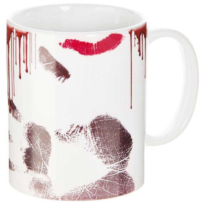 Кружка Грязная кружка93477Кружка Грязная кружка выполнена из высококачественной керамики и оформлена кофейными каплями, следом от губной помады и отпечатком руки. Кружка станет отличным подарком для человека, ценящего забавные и практичные подарки. Она станет незаменимым атрибутом чаепития, а оригинальный дизайн вызовет улыбку. Характеристики: Материал: керамика. Высота кружки: 9,5 см. Диаметр по верхнему краю: 8 см. Размер упаковки: 10,5 см х 10 см х 10 см. Изготовитель: Китай. Артикул: 93477.