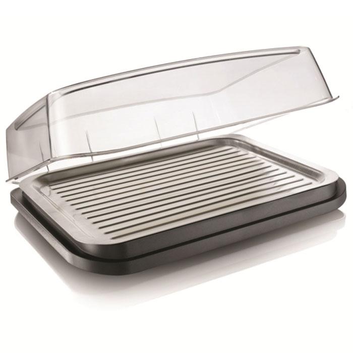 Охлаждающий контейнер-тарелка Vacu Vin Barbecue Cooler3548360Охлаждающая тарелка Vacu Vin Barbecue Cooler, выполненная из пластика, позволит вам дольше сохранять мясо, рыбу, суши, салаты и закуски, если нет возможности поместить эти продукты в холодильник. Прозрачная крышка защитит еду от насекомых. Благодаря съемному охлаждающему элементу вы можете использовать эту тарелку как на улице, так и дома. В комплект входит съемный охлаждающий элемент. Идеальное решение для пикников, барбекю, фуршетов! Характеристики: Цвет: серый. Размер: 37 см х 30 см х 11 см. Размер упаковки: 38,5 см х 31,5 см х 11,5 см. Производитель: Нидерланды.