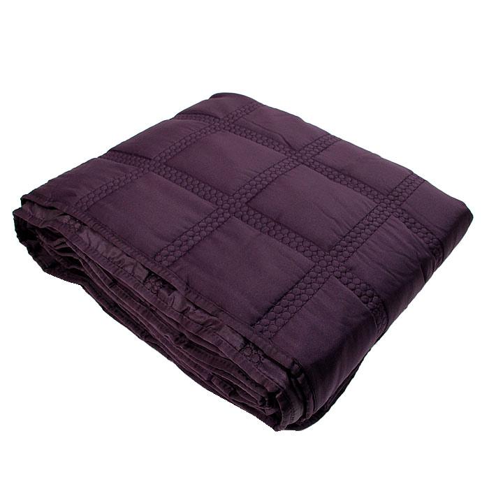 Покрывало стеганое Коллекция, цвет: фиолетовый, 180 см х 220 см16051Стеганое покрывало Коллекция выполнено из полиэстера и оформлено фигурной стежкой.Покрывало Коллекция - это отличный способ придать спальне уют и привнести в интерьер что-то новое.Покрывало вложено в пластиковую сумку. Характеристики:Материал: 100% полиэстер. Размер покрывала: 180 см х 220 см. Размер упаковки: 45 см х 37 см х 13 см. Производитель: Китай. Артикул: ПС-44фиол.