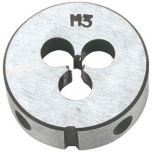 Плашка вольфрамовая Topex, М12, 25 х 9 мм14A312Плашки вольфрамовые Торех используются для нарезания метрической резьбы. Характеристики: Материал: металл. Шаг резьбы: М12. Размеры плашки: 2,5 см х 0,9 см. Размеры упаковки: 9 см х 5 см х 1,5 см.