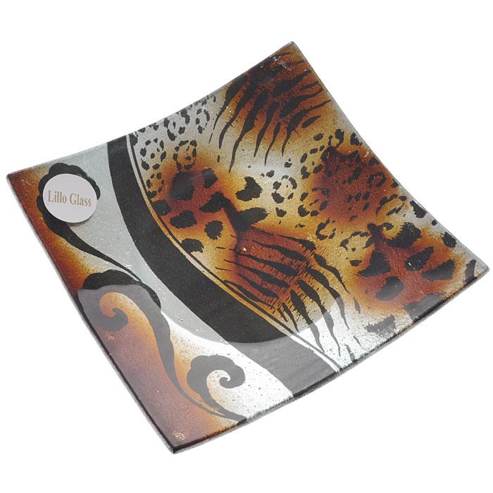 Блюдо Lillo Glass, цвет: черный, коричневый, 16 см х 16 см. LIL 1280-22LIL 1280-22Квадратное блюдо Lillo Glass, изготовленное из стекла, декорировано рисунком под леопард и тигр. Такое блюдо сочетает в себе изысканный дизайн с максимальной функциональностью. Красочность оформления придется по вкусу тем, кто предпочитает утонченность и изящность. Блюдо Lillo Glass украсит сервировку вашего стола и подчеркнет прекрасный вкус хозяина, а также станет отличным подарком. Характеристики: Материал: стекло. Цвет: черный, коричневый. Размер блюда: 16 см х 16 см. Размер упаковки: 18 см х 18 см х 3,5 см. Артикул: LIL 1280-22.