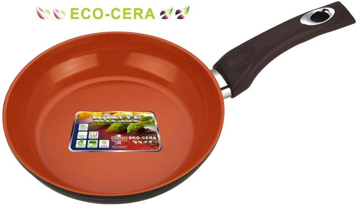 Сковорода Vitesse Cherry, цвет: коричневый. Диаметр 24 смVS-2279Сковорода Vitesse Cherry изготовлена из высококачественного алюминия. Внутреннее керамическое покрытие Eco-Cera, позволяющее готовить при высоких температурах, не оставляет послевкусия, делает возможным приготовление блюд без масла, сохраняет витамины и питательные вещества. Высокотехнологичное внешнее антипригарное покрытие коричневого цвета устойчиво к царапинам и механическим повреждениям. Покрытие безопасно для человека, не содержит PFOA. Утолщенное алюминиевое дно обеспечивает равномерное распределение тепла по поверхности. Сковорода снабжена удобной и высокопрочной ручкой из бакелита, которая не нагревается в процессе приготовления пищи. Сковорода Vitesse Cherry подходит для использования на всех типах кухонных плит кроме индукционных. Можно мыть в посудомоечной машине. Рекомендуется использовать специальные прихватки для того, чтобы взяться за ручку. Можно использовать металлическую лопатку.