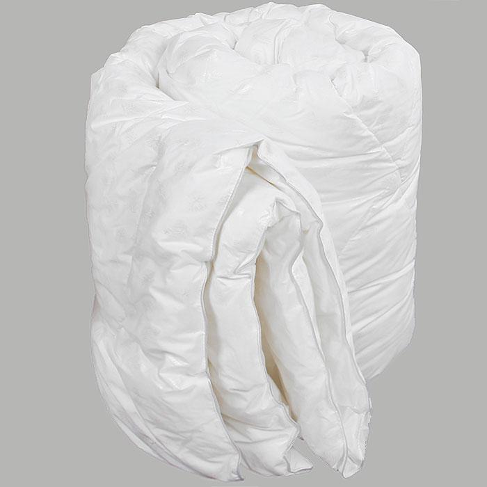 Одеяло Verossa, наполнитель: искусственный лебяжий пух, 200 см х 220 см. 45002027734500202773Одеяло Verossa обеспечит вам здоровый сон и комфорт. Для изготовления одеяла в качестве наполнителя используется искусственный лебяжий пух, смоделированный по аналогии с натуральным пухом. Искусственный лебяжий пух является гипоаллергенным, препятствующий возникновению бактерий и образованию пылевого клеща. Уникальный сверхтонкий наполнитель делает одеяло легким, воздушным с отличной терморегуляцией. Одеяло упаковано в прозрачный пластиковый чехол на змейке с ручкой, что является чрезвычайно удобным при переноске. Характеристики: Материал чехла: 100% хлопок. Наполнитель: 100% полиэстер (искусственный лебяжий пух). Масса наполнителя: 300 г/м2. Размер одеяла: 200 см х 220 см. Размер упаковки: 60 см x 30 см x 45 см. Изготовитель: Россия. Артикул: 4500202773.
