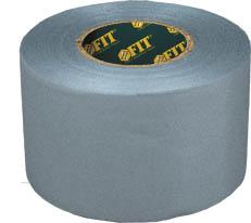Скотч сантехнический FIT, 25 мм х 33 м11692Скотч FIT используется для сантехнических работ по обвязке труб, устранению течи, изоляции вентиляционных коммуникаций. Характеристики: Размеры: 2,5 см х 33 м. Размеры упаковки: 8,5 см х 2,5 см х 8,5 см.