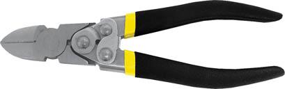 Бокорезы FIT Рычажный тип, 190 мм51002Бокорезы FIT предназначены для резки провода из меди, алюминия и других цветных металлов. Изделие изготовлено из шлифованной хром-ванадиевой стали и оснащено удобными эргономичными рукоятками из двухслойного ПВХ. Данный бокорез оснащен механизмом саморазжима, что позволяет приложить большее усилие при сведении губок по сравнению с обычными бокорезами. Характеристики: Материал: хром-ванадиевая сталь, резина, ПВХ. Длина: 19 см. Размер упаковки: 23 см х 7 см х 2,5 см.
