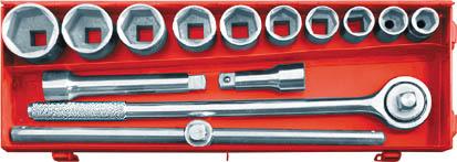 Набор головок с трещоткой FIT, 3/4, 15 шт62470Набор головок с трещоткой FIT предназначен для монтажа и демонтажа резьбовых соединений. В состав набора входит: Трещотка Т-образный рычаг с передвежным адаптером для головок 2 адаптера-удлинителя для головок Головки 22 мм, 24 мм, 27 мм, 30 мм, 32 мм, 36 мм, 38 мм, 41 мм, 46 мм, 50 мм Металлический кейс для хранения. Характеристики: Материал: Ссталь. Длина трещотки: 49,5 см. Длина удлинителей: 10 см, 20 см. Длина Т-образного рычага : 45,5 см. Размеры кейса: 54 см х 18 см х 8 см. Размеры упаковки: 54 см х 18 см х 8 см.