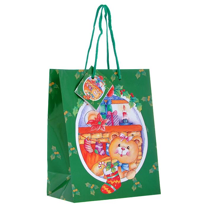 Пакет подарочный Мишка, 17,5 х 10 х 22,5 см Ф21-1428Ф21-1428Бумажный подарочный пакет Мишка зеленого цвета станет незаменимым дополнением к выбранному подарку. Пакет выполнен с глянцевой ламинацией, что придает ему прочность, а изображению - яркость и насыщенность цветов. Для удобной переноски на пакете имеются две ручки из шнурков. Подарок, преподнесенный в оригинальной упаковке, всегда будет самым эффектным и запоминающимся. Окружите близких людей вниманием и заботой, вручив презент в нарядном, праздничном оформлении.