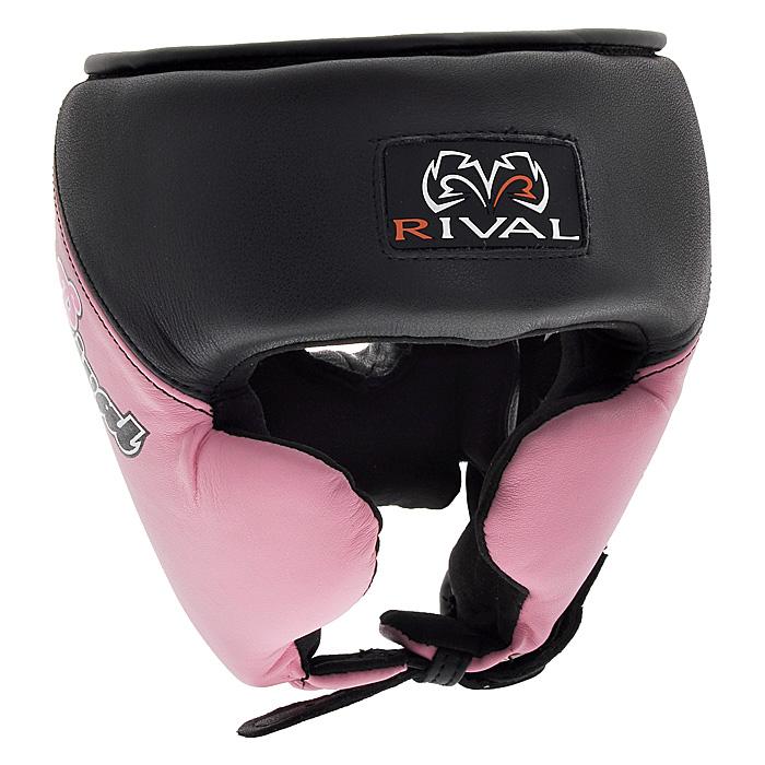 Шлем боксерский Rival, тренировочный, цвет: черно-розовый. Размер LПояс УТ-0000Профессиональный тренировочный боксерский шлем Rival черно-розового цвета разработан специально для женщин и предназначен для предохранения головы от жестких ударов, травмирования бровей, ушей и лица. Внешняя поверхность шлема выполнена из натуральной кожи, внутренняя поверхность - из микрофибры. Благодаря двойному пенному наполнителю, шлем обеспечивает защиту в области лба, ушей и скул, а также создает дополнительный комфорт за счет анатомической подушки в тыльной части. Шлем регулируется по ширине в верхней части и прочно фиксируется на голове при помощи застежек на липучке Velcro. На подбородке шлем застегивается на прочную застежку с никелевым покрытием. Такой шлем погасит силу ударов и надежно защитит все зоны головы от повреждений. Характеристики:Размер: L. Цвет: черно-розовый. Минимальный размер шлема с учетом наполнителя (ДхШ): 21 см х 23 см х 21 см. Общая высота шлема: 24 см. Толщина наполнителя: 3,5 см. Материал:натуральная кожа, металл, пластик, текстиль. Размер упаковки: 23 см х 23 см х 23 см. Изготовитель:Пакистан. Артикул: RHG Pro W.