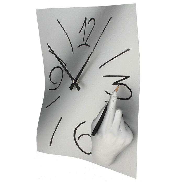 Часы настенные Ручная работа, цвет: хром. 560560Оригинальные настенные часы Ручная работа в стиле сюрреализм - интерьерный арт-объект, выполненный вручную итальянскими мастерами из полистоуна. Часы с объемной рукой, рисующей цифры на циферблате, - необычное дизайнерское решение и стильное украшение интерьера. Этот аксессуар не только оформит интерьер, но и послужит функционально. Оформите свой дом таким интерьерным шедевром или преподнесите его в качестве презента друзьям, и они оценят ваш оригинальный вкус и неординарность подарка. Характеристики: Материал: полистоун. Размер: 28 см x 38 см x 8 см. Артикул: 560.