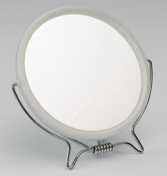 QVS Зеркало для макияжа и бритья, двустороннее. 10-204810-2048Зеркало QVS идеально подходит для утреннего туалета и макияжа, где бы вы ни были. Подвесьте его на крючок или поверните к свету на вращающейся подставке. С одной стороны обычное зеркало, с другой - 3-х кратное увеличение. Характеристики: Диаметр: 13 см. Материал: пластик, металл, стекло. Артикул: 10-2048. Производитель: Австралия. Товар сертифицирован.