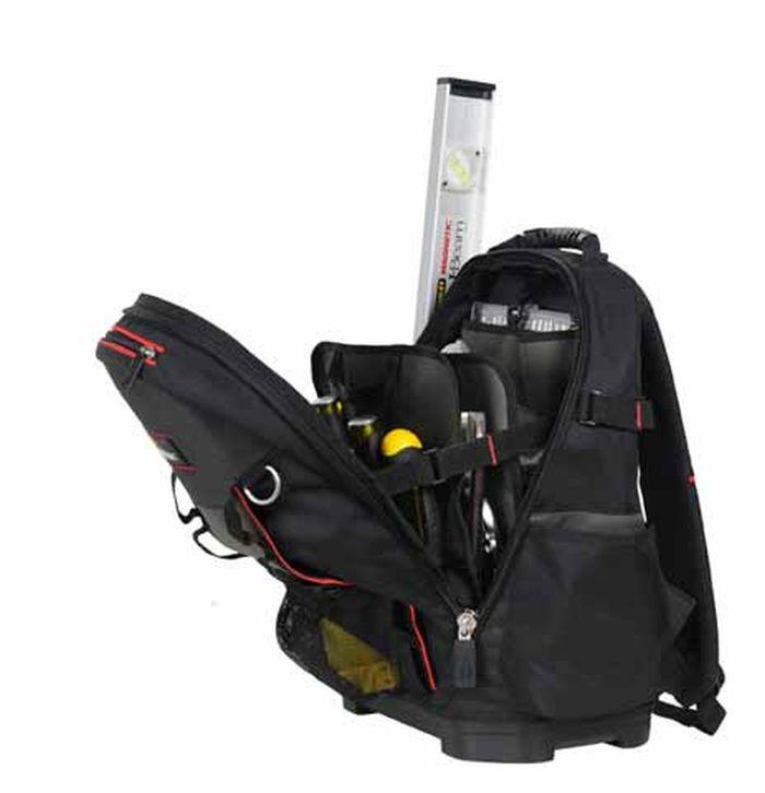Рюкзак для инструмента Stanley FATMAX1-95-611Рюкзак Stanley FATMAX служит для хранения и транспортировки различного инструмента. Изготовлен из высококачественного материала и отличается хорошими прочностными характеристиками. Имеет несколько отделений и 50 различных карманов, где удобно размещаются все необходимые инструменты и аксессуары. Рюкзак легко и удобно носить с помощью ручки или на плечах. Вместительный и функциональный рюкзак - это отличный помощник для профессионала или домашнего мастера, позволяет аккуратно и компактно расположить инструменты и личные вещи, чтобы всегда держать их под рукой и не тратить время на поиски нужного предмета. Застегивается на молнию с двумя замками для быстрого доступа с любой стороны. Жесткая форма и пластмассовое дно изделия позволяют удерживать вертикальное положение. Имеется отдельная секция для ноутбука. Характеристики: Материал: полиэстер. Размер рюкзака (ДхШхВ): 43,3 см х 46,5 см х 53,3 см. Размер упаковки: 53,3 см х 43,3 см х 46,5 см.