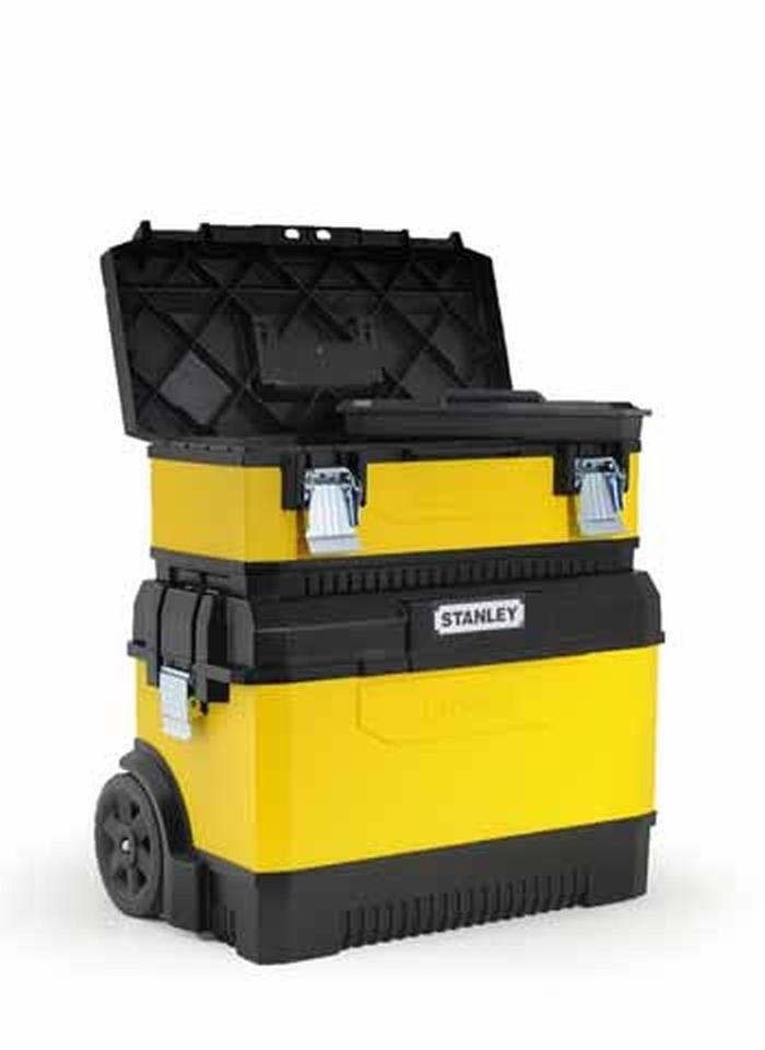 """Ящик для инструментов Stanley, 2-секционный, цвет: желтый, 64 см х 64 см х 38 см1-95-831Вместительный ящик с колесами обеспечивает большой объем для хранения и перемещения инструмента. Телескопическая алюминиевая ручка. Высокопрочные колеса диаметром 7"""". Прочная конструкция для защиты содержимого. Возможность транспортировки большой нагрузки. Сочетает преимущества пластмассы с прочностью металла. Дополнительный отделяемый ящик для инструмента с переносным лотком для мелких деталей и с V-образным пазом в крышке для удобства расположения детали при пилении. Большие металлические с защитой от коррозии замки с возможностью использования навесного замка (в комплект поставки не входит)."""