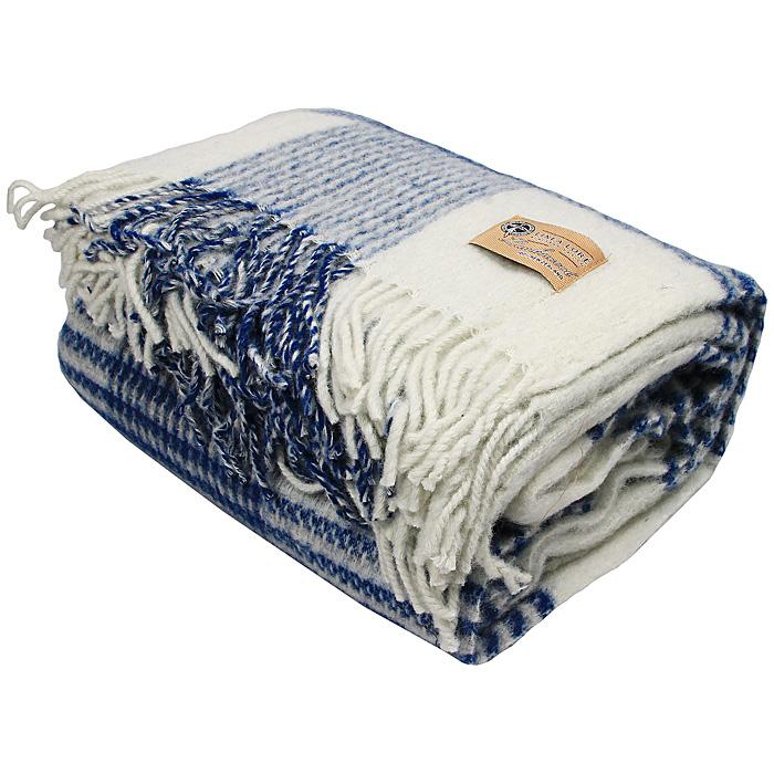 Плед Rimini, 140 х 200 см 1-721-140_041-721-140_04Мягкий плед Rimini, выполненный из натуральной шерсти новозеландских ягнят, добавит комнате уюта и согреет в прохладные дни. Плед с выразительной строгой клеткой - отличный вариант для тех, кто предпочитает стильную классику. Удобный размер этого очаровательного пледа позволит использовать его и как одеяло, и как покрывало для кресла или софы. Такое теплое украшение может стать отличным подарком друзьям и близким! Под шерстяным пледом вам никогда не станет жарко или холодно, он помогает поддерживать постоянную температуру тела. Шерсть обладает прекрасной воздухопроницаемостью, она поглощает и нейтрализует вредные вещества и славится своими целебными свойствами. Плед из шерсти станет лучшим лекарством для людей, страдающих ревматизмом, радикулитом, головными и мышечными болями, сердечно-сосудистыми заболеваниями и нарушениями кровообращения. Шерсть не электризуется. Она прочна, износостойка, долговечна. Наконец, шерсть просто приятна на ощупь, ее мягкость и фактура...